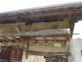 Gabarit de bateau dans une grange